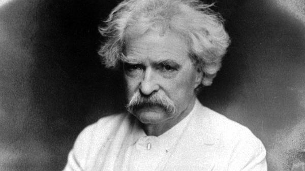 Es ist weder das Beste, noch das Schlechteste an einem Buche, was an ihm unüberstzbar ist. Friedrich Nietzsche